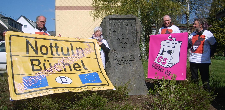 FI Nottuln übergibt Mahnschreiben gegen Atomwaffen 18.4.2015 büchel65